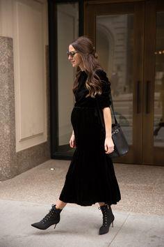 Bye Winter - Something Navy Maternity Fashion Dresses, Cute Maternity Outfits, Stylish Maternity, Pregnancy Outfits, Pregnancy Looks, Maternity Wear, Winter Pregnancy, Pregnancy Style, Maternity Style