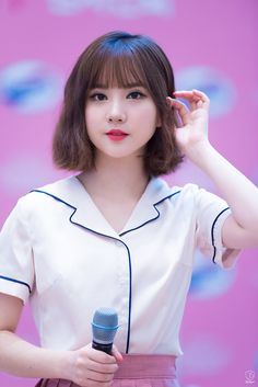Girlfriend EUNHA 여자친구 은하 Most Beautiful Faces, Beautiful Asian Girls, Kpop Girl Groups, Kpop Girls, Extended Play, Pho, Lily Chee, Asian Hair, Korean Celebrities