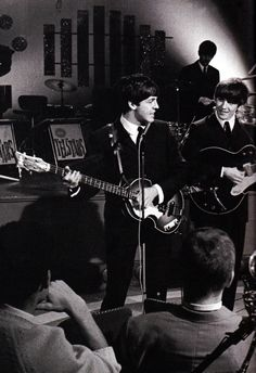 The Beatles Ringo Starr, George Harrison, Paul Mccartney, John Lennon, Great Bands, Cool Bands, The Beatles Live, Twist And Shout, The Fab Four