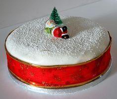 The world's best christmas cake … Christmas Cake Decorations, Christmas Party Food, Christmas Sweets, Holiday Cakes, Christmas Goodies, Xmas, Christmas Glitter, Christmas Time, Fondant Cakes