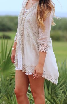 A perfectly delicate lace kimono for summer