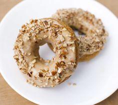 Pumpkin Spice Doughnuts with Pumpkin Pecan Glaze #vegan