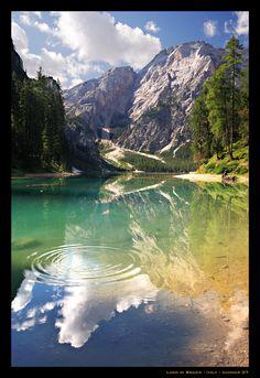 Lago di Braies - Alto Adige , Dolomites , Italy #lake #alps #Pragsersee