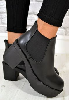 Ladies Chunky Heel Biker Style Chelsea Ankle Boots in BLACK from NaomiShu