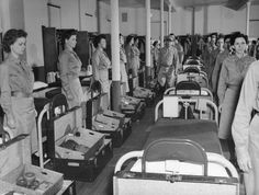 'Take off the Silk, Put on the Khaki': America's First Women Soldiers, 1942 | LIFE.com