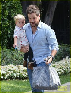 FFN_IMAGE_51224333|FFN_SET_60070367   51224333 Hilary Duff's husband Mike Comrie takes their son Luca to visit a friend's house in Los Angeles, California on October 3, 2013. FameFlynet, Inc - Beverly Hills, CA, USA - +1 (818) 307-4813 © 2013 FameFlynet, Inc - Beverly Hills, CA, U.S.A