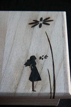 pyrography – love how simple this is: – basteln & extra – Dremel Wood Burning Crafts, Wood Burning Patterns, Wood Burning Art, Wood Crafts, Pyrography Designs, Pyrography Patterns, Pyrography Ideas, Dremel, Wood Creations