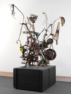 """""""Narva"""" by the Swiss Kinetic Artist Jean Tinguely. I love his work. Jean Tinguely, Yves Klein, Steel Sculpture, Sculpture Art, Nouveau Realisme, Art Alevel, Kinetic Art, Collaborative Art, Assemblage Art"""