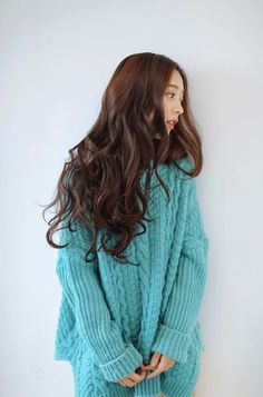 park seul These curls could peaceably be achieved by buns. Fancy Hairstyles, Curled Hairstyles, Korean Hairstyles, Park Seul, New Hair Do, Fluffy Hair, Asian Hair, Girl Inspiration, Long Curly Hair