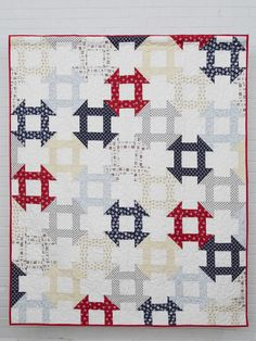 Sewing Block Quilts This is not your ordinary churn dash quilt. Designer Kelly Bowser has created a design with mesmerizing interlocking blocks. Blue Quilts, Scrappy Quilts, Easy Quilts, Quilting Projects, Quilting Designs, Quilting Ideas, Churn Dash Quilt, Star Quilt Blocks, Block Quilt