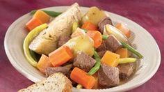 Pot-au-feu au vin rouge et au romarin   Recettes IGA   Boeuf, Pommes de terre, Recette facile