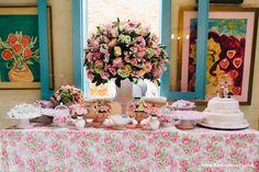 Mesa de bolo: vaso grande como centro da mesa