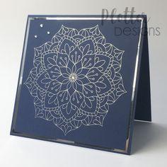 Die Single Line Plotter Datei Mandala Relax ist Perfekt geeignet für den Foil Quill oder für das Zeichnen mit einem Stift / Sketch Pen. Sie wirkt auf jeder Karte schlicht und edel! Die Datei ist nicht zum Schneiden mit dem Plotter gedacht. Outline, Cricut, Maker, Relax, Quilling, Cards, Design, Co Worker Gifts, Binder