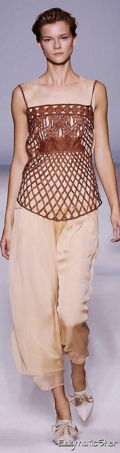 Alberta Ferretti Spring Summer 2010 Ready-To-Wear
