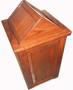This attractive and useful Amish Furniture Oak Flip Top Trash Container Bin 30 gallon is a nice addition to the kitchen for holding your trash and other throw-aways. Made to fit 30 gallon tie type plastic trash bags from the grocery store. The bags o