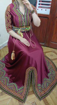 Country Algerian Dress from Kabylia Traditional Fashion, Traditional Dresses, Modest Fashion, Hijab Fashion, Afghani Clothes, Arabic Dress, Afghan Dresses, Weeding Dress, Lace Evening Dresses