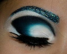 Pretty eye makeup !