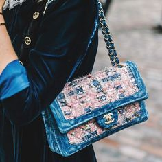 VELVET DETAILS, London #lfw more on @voguespain @pandorasykes #streetstyle