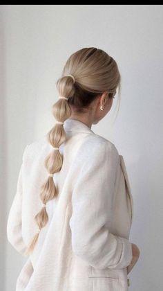 Hairstyles For Medium Length Hair Easy, Cool Hairstyles For Girls, Medium Long Hair, Trendy Hairstyles, Medium Hair Styles, Curly Hair Styles, Beach Hairstyles, Long Hair Hairstyles, Easy Work Hairstyles