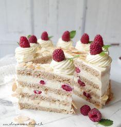 Az áfonya mámora: Vaníliás málnatorta Macarons, Vanilla Cake, Cake Recipes, Breakfast Recipes, Cheesecake, Food Porn, Food And Drink, Sweets, Foods