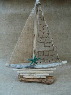 Creative Letter Art – Personalized Framed Name Sign with Beach and Nautical Related Alphabet Photographs including Driftwood Self Standing Frame Bateau de bois Sea Crafts, Seashell Crafts, Nature Crafts, Driftwood Projects, Driftwood Art, Driftwood Wreath, Alphabet Fotografie, Deco Marine, Sea Art