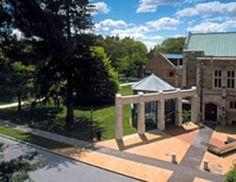 Photo of Frances Lehman Loeb Art Center at Vassar College