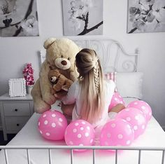 Cute Girl Pic, Cute Girls, Huge Teddy Bears, Teddy Photos, Wallpaper Iphone Love, Love Is Sweet, Poses, Girl Birthday, Toddler Bed