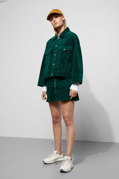Model side image of Weekday in green Metal Buttons, Green Jacket, Contrast, Cover Up, Normcore, Sleeves, Model, How To Wear, Jackets