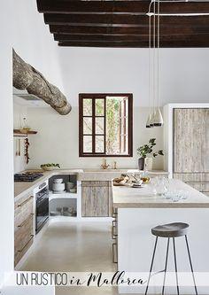 Ein Stadthaus gen Mallorca solange bis Haus Majorque one Küchen Design, Design Case, House Design, Design Interior, Ibiza Style Interior, Rustic Kitchen, Kitchen Decor, Design Kitchen, Kitchen Hacks