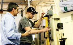 The Advanced Manufacturing Design Technology program provides the skills and technical knowledge needed for a career in the machining industry as a mold ma