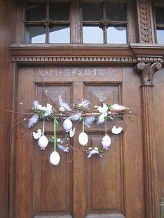Výsledek obrázku pro pinterest tvoření velikonoce Easter Flower Arrangements, Easter Flowers, Easter Eggs, Garland, Diy And Crafts, Ceiling Lights, Wreaths, Crafty, Spring