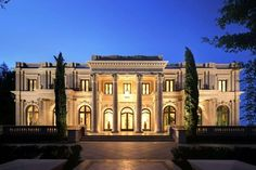 beautiful house_Beverly Hills, California