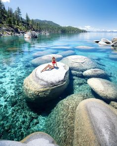 Lake Tahoe is the ultimate adventure travel destination! Hike, mountain bike, and enjoy the worlds most beautiful water with this perfect Lake Tahoe itinerary. Lake Tahoe Nevada, South Lake Tahoe, Secret Cove Lake Tahoe, Sand Harbor Lake Tahoe, Lago Tahoe, Vacation Destinations, Vacation Spots, State Parks, Brisbane