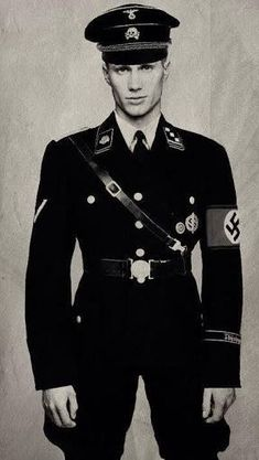 This is a Nazi soldier German Soldiers Ww2, Germany Ww2, Military Looks, Man Of War, Men In Uniform, Portraits, Luftwaffe, Military History, Moda Masculina