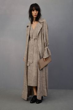 See the complete The Row Resort 2015 collection.