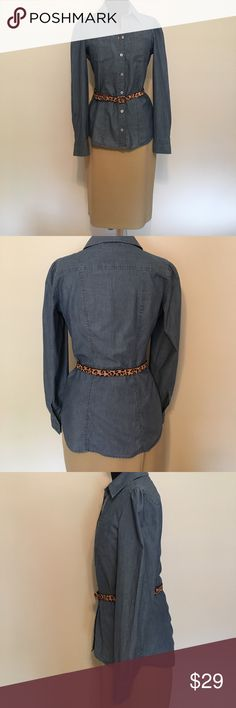 Like New Banana Republic chambray shirt Wardrobe staple must have. This chambray shirt can be worn year round.  It's a great layering piece that you can dress up or dress down. Banana Republic Tops Button Down Shirts