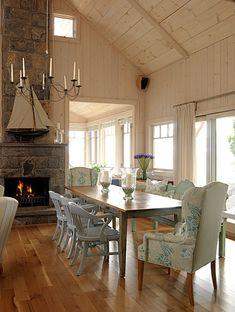 "Sarah Richardson's Canadian lake cottage, dining ""room""--casual but pretty mix of seating. #decor #cottage #SarahRichardson"