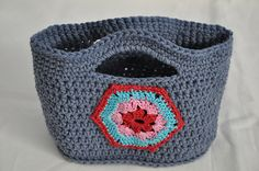 Chunky Crocheted Basket pattern ooo I think I need to adapt this one for me!