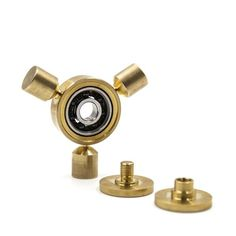 Feature: This toy is made of brass which is cut by CNC machine,nice hand feeling and perfect size for you to play and every day carry. Specification Size:3mm(d)