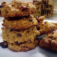 Μπισκότα μήλου με βρώμη, μέλι και ξηρούς καρπούς γεμάτα ενέργεια Healthy Sweets, Healthy Recipes, Superfoods, Kai, Biscuits, Oatmeal, Muffin, Thanksgiving, Cookies
