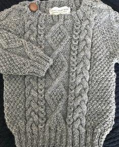 Irlandais Aran Wool Toddler Sweater Design A Baby Knitting Patterns, Baby Sweater Knitting Pattern, Knitting Squares, Knitted Baby Cardigan, Toddler Sweater, Hand Knitted Sweaters, Baby Sweaters, Sweater Design, Wool