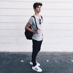 most-stylish-summer-looks-for-teen-boys - Clothes for chandler - Kids Style Outfits Hombre, Outfits For Teens, Best Outfit For Boys, Simple Outfits, Summer Boy, Summer Looks, Casual Summer, Teen Jungs Outfits, Teen Fashion