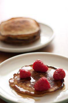 Receita de panquecas rápidas feitas com mix caseiro super prático. Uma mão na roda para preparar aquelas panquecas fofinhas para o café da manhã.