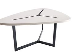 Table: SEVEN - Collection: B&B Italia - Design: Jean-Marie Massaud