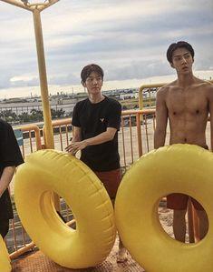 Baekhyun and the Greek god Oh Sehun Baekhyun, Park Chanyeol, Chanbaek, Exo Korea, Korea Boy, Exo 2014, Exo Album, Exo Lockscreen, Kpop Exo