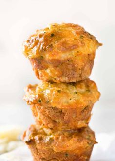 Savoury Cheese muffins: Cheesy, buttery, garlicky and so moist, these taste like cheesy garlic bread! This is the stuff savoury muffin dreams are made of. Dangerously quickly and easy to make.