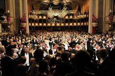 Annual Opera Ball in Vienna Die Prominenz aus Politik, Wirtschaft und Kultur gibt sich jährlich ein Stelldichein beim Höhepunkt der Wiener Ballsaison: dem Wiener Opernball. ZDF / ORF / Thomas Jantzen Ballroom Dancing, Vienna, Austria, Alice, Around The Worlds, Glamour, Traditional, City, Economics