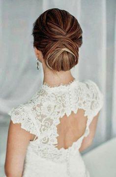Bridal Hair Dos and Dont's To Take into Account Wedding Up Do, Elegant Wedding Hair, Elegant Updo, Lace Wedding, Wedding Dresses, Perfect Wedding, Sleek Updo, Wedding Ideas, Wedding White