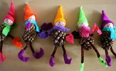Pinecone Elves christmas christmas crafts christmas ideas christmas decorations christmas decor pinecone elves holiday crafts kids christmas crafts christmas crafts for kids christmas diy crafts christmas projects holiday craft projects Homemade Christmas Crafts, Preschool Christmas Crafts, Holiday Crafts, Noel Christmas, Christmas Books, Christmas Ornaments, Christmas Packages, Christmas Place, Pinecone Ornaments