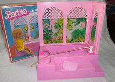 Barbie bathtub that really worked! It even had a little pump that made bubbles. Loved it!